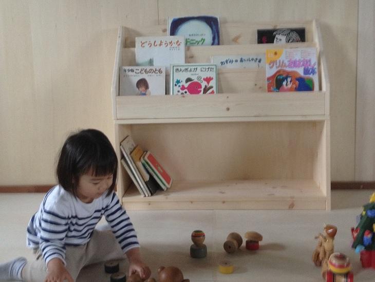 木製ディスプレイ絵本棚 人気絵本棚